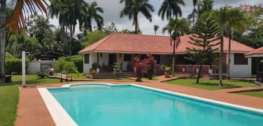 For sale villa in residence in Las Terrenas